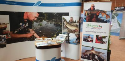 Stand Visgids Groningen als onderdeel op de stand van Sportvisserij Groningen/Drenthe